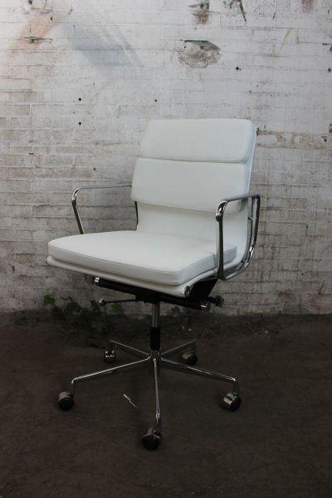 Design Bureaustoel Wit.Vergaderstoel Bureaustoel Gebruikt Design Verchroomde