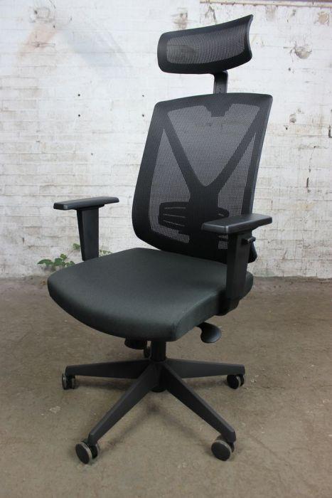 Bureaustoel Met Hoofdsteun.Mayer Bureaustoel Jong Gebruikt Zwart Mesh Rug Hoofdsteun